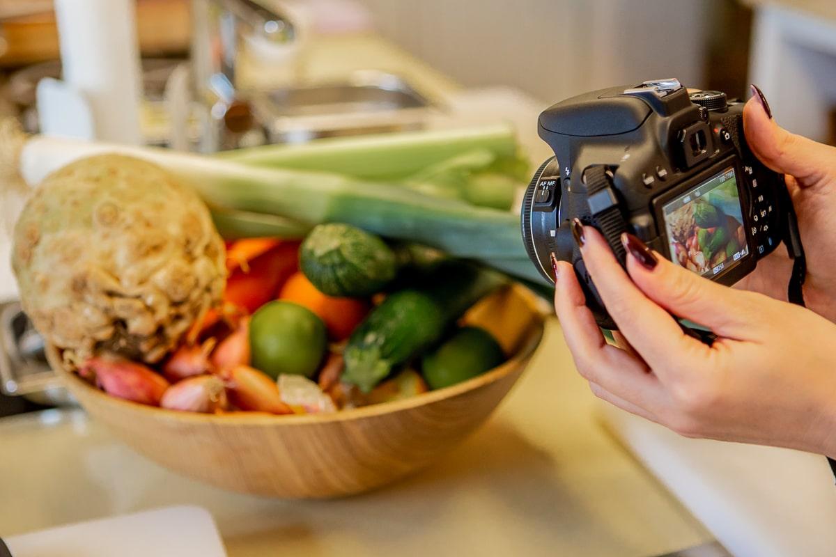 Kochkurse für Familien, Team-Events und Gruppenbildung - Kochkurse verschenken zu Hochzeiten und Geburtstagen - Kochen lernen bei Spitzenköchen