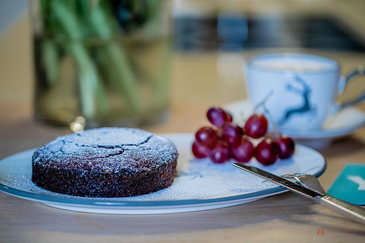 Schokoladenkuchen Rezept - leckerer Schokokuchen | Kuchen Rezept - Schokokuchen einfach und schnell - Backanleitung