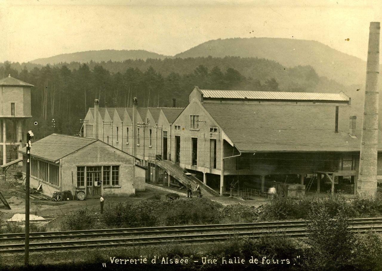 Die Manufaktur der Glashütte Hochberg um 1924 © Musée Lalique