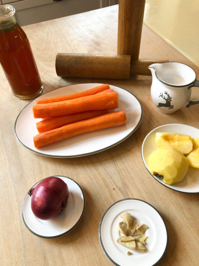 Zutaten für die Karotten-Ingwer-Suppe
